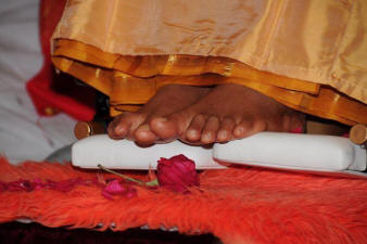 Sri Sathya Sai Baba - Lotus Feet of Bhagawan