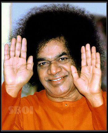 miracles of sathya sai baba - sai-baba-blessings-new-photo-of-saibaba.
