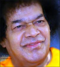 swami-smiling-sboi-wallpaper-sathya-sai-baba