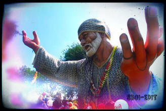 shirdi-sai-baba-open-arms-welcome