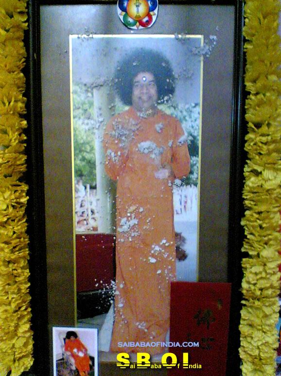 3-vibhuti-manifestation-miracle-image.jp