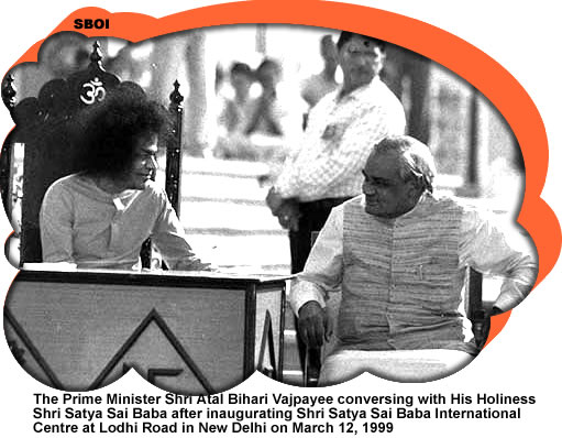 The Prime Minister Shri Atal Bihari Vajpayee conversing with His Holiness Shri Satya Sai Baba after inaugurating Shri Satya Sai Baba International Centre at Lodhi Road in New Delhi on March 12, 1999