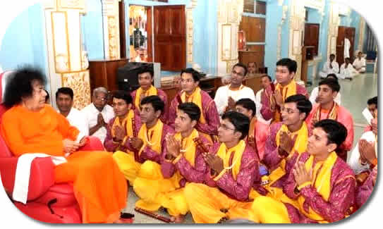 fifth anniversary of Prasanthi Dance Group, Prof.