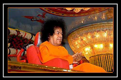 sathya-sai-baba-darshan-photo-2010