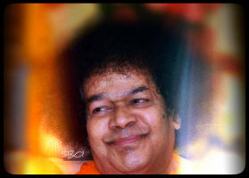 sai-baba-sri-bhagawan-swami-stories-smiling-avatar-god