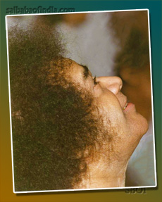 sri-sathya-sai-baba-looking-up