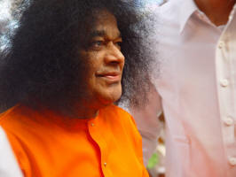 sri-sathya-sai-baba-very-good-photo