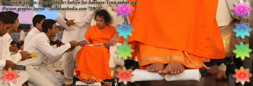 Sat, Jan 22, 2011: Granting an early darshan Bhagawan arrived at 1805 hrs. to soulful tunes this Saturday evening here in Prasanthi Nilayam. As He moved past the pathway at a slow pace many received His blessings that included the birthday beneficiaries, both senior students and the little