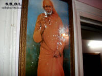 8-sai-baba-vibuti-miracle-in-north-india-2010_small.jpg