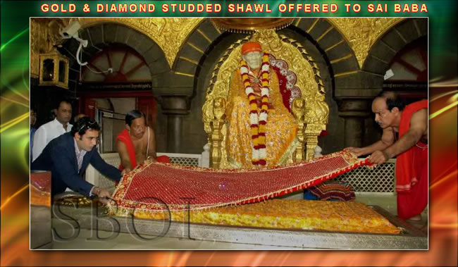 GOLD & DIAMOND STUDDED SHAWL OFFERED TO SAI BABA