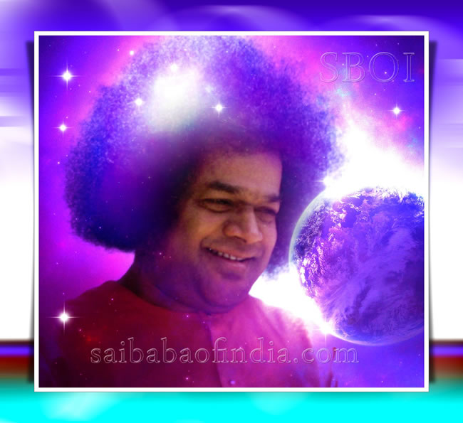 sri-sathya-sai-baba-smiling-looking-at-earth