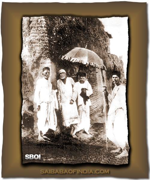Shirdi Sai Baba walking with His devotees