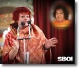 Dana_Gillespie_Music_Programme_Sathya_Sai_Baba
