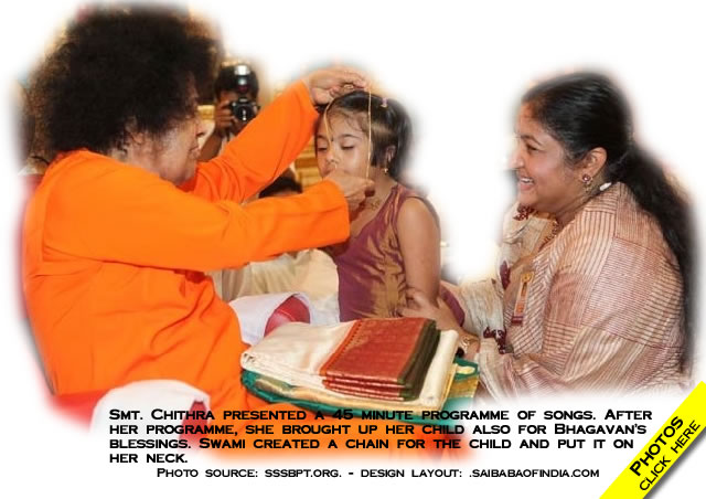 chitra and her daughter gets blessed by sai baba !!!!!